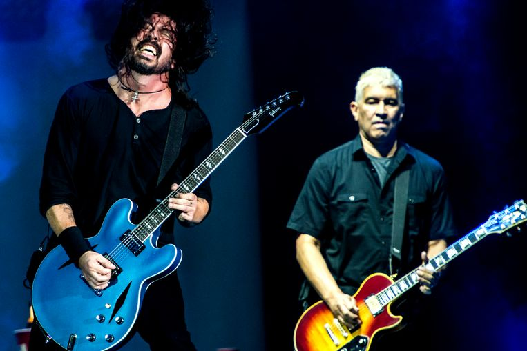 Dave Grohl en Pat Smear op Rock Werchter deze zomer. Beeld Stefaan Temmerman