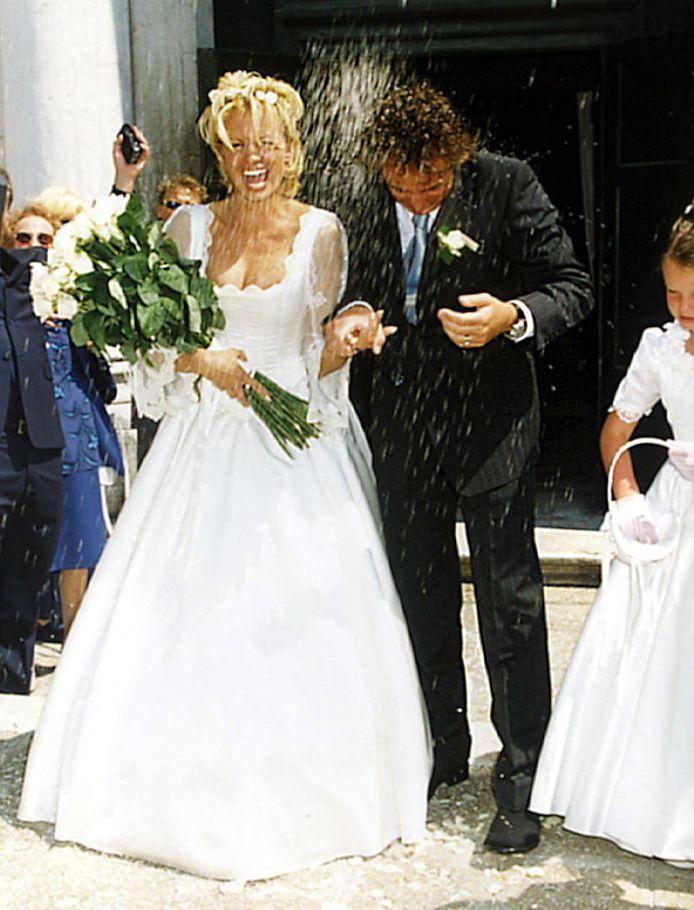 Huwelijksfoto van Marco en Leontine Borsato op 22 mei 1998.