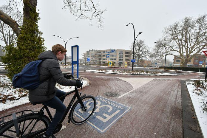 Binnen de bebouwde kom ligt de aanleg van de fietssnelweg op schema.
