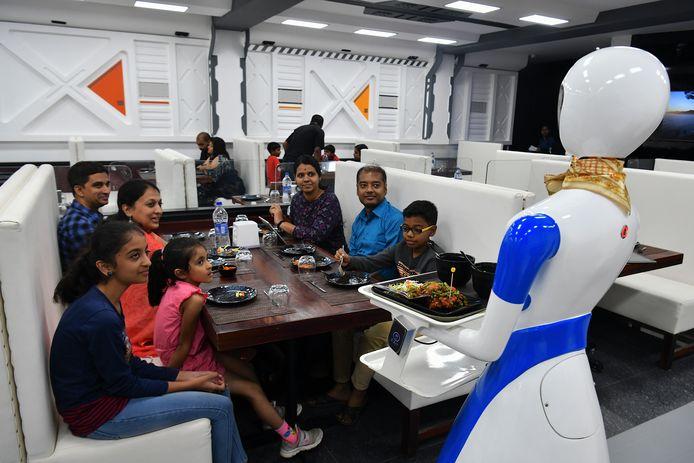 Foto ter illustratie. Een restaurant in Bangalore, India introduceerde vorig jaar robot-obers.