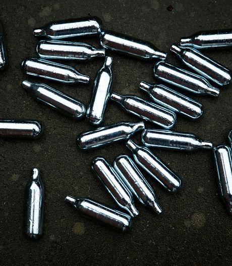 Gebruik en verkoop van lachgas volgend jaar verboden in Westland: 'Weg met die troep'