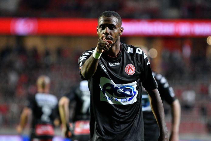 Faïz  Selemani scoorde na 87 minuten tegen Antwerp en bezorgde KV Kortrijk een knappe 6/6.