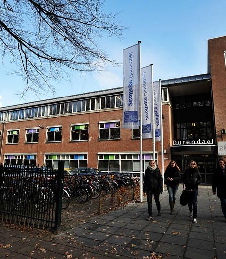Inval met drugshonden op Durendael: één leerling met zakjes wiet betrapt
