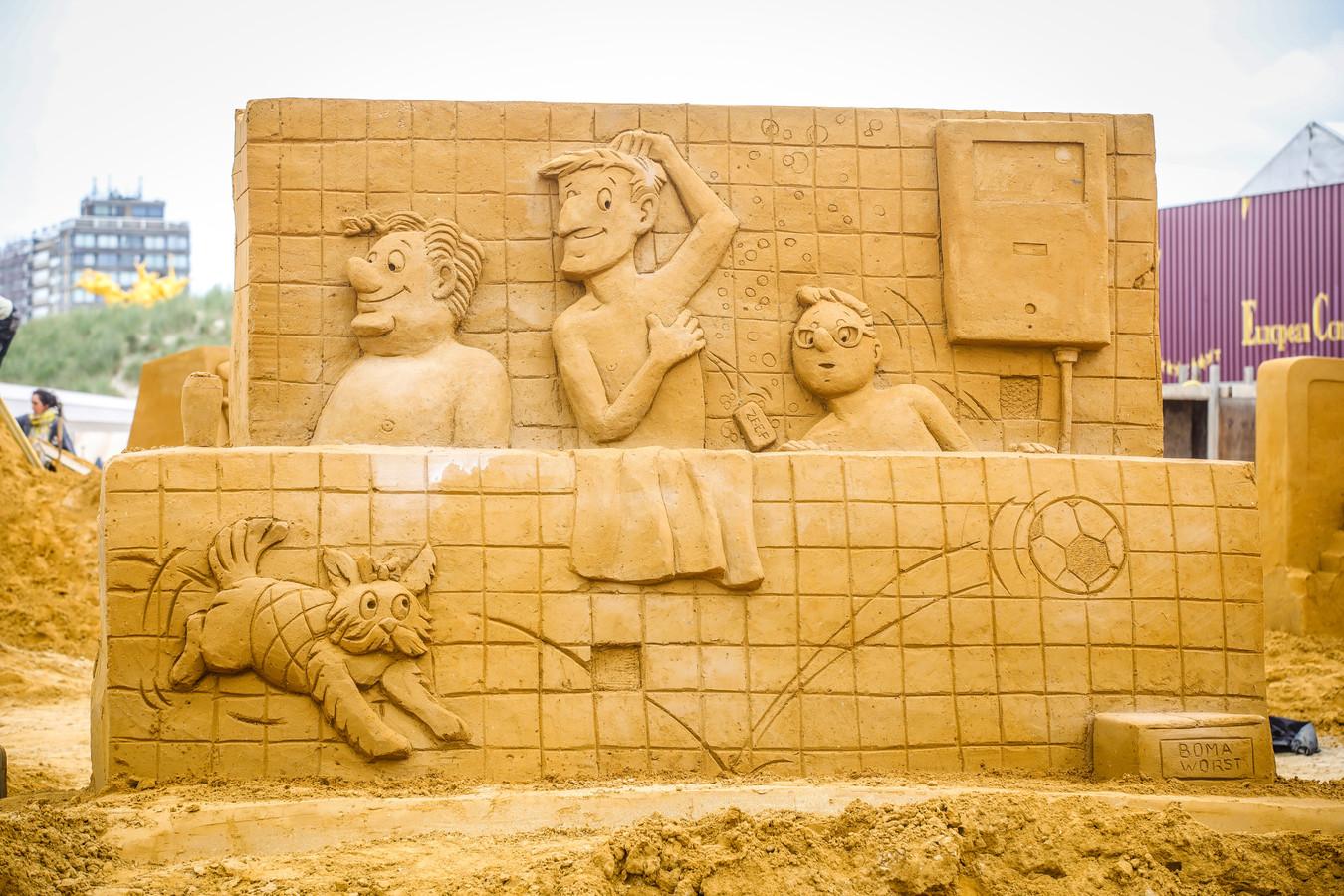zandsculptuur fc de kampioenen in opbouw te Middelkerke