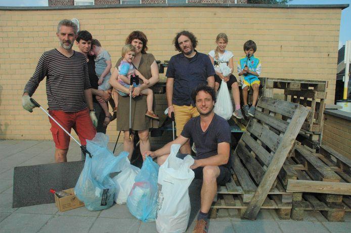 Na ruim twee uur hadden de mensen van Groen Horebeke meer zakken gevuld dan hen lief was.