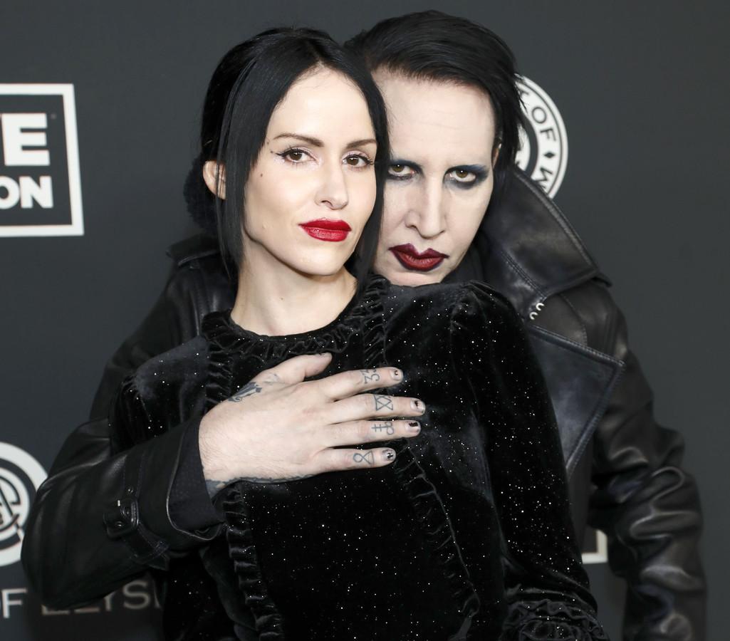 Marilyn Manson met zijn huidige vrouw Lindsay Usich.