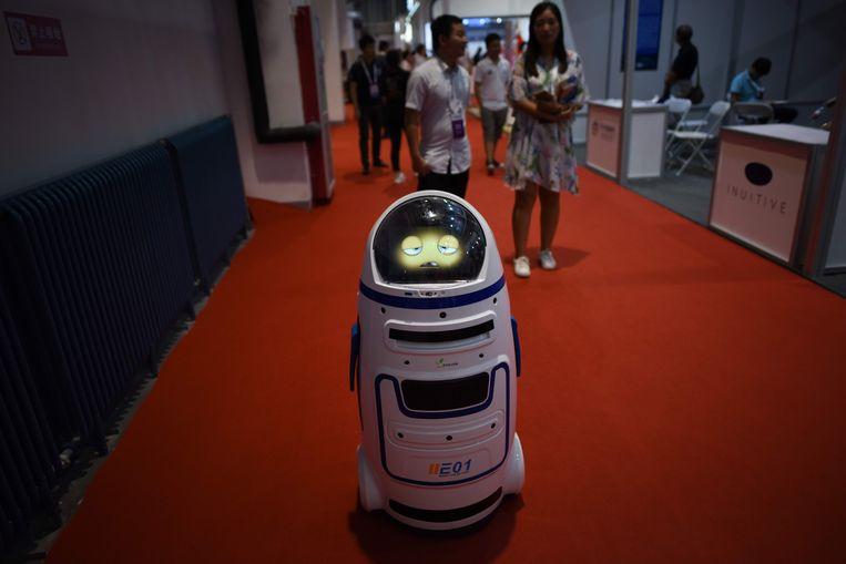 Deze robot heeft blijkbaar niet veel zin in de conferentie.