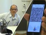 Digipunt helpt ouderen met QR-code: 'Ze doen mee in de digitale wereld en wij helpen daarbij'