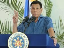 Le président philippin sème la confusion sur la scène internationale