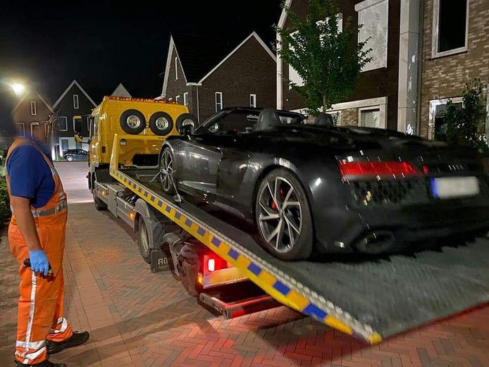 Na een tip vond de politie van Veenendaal een ontvreemde Duitse sportauto terug. Het voertuig werd opgetakeld en teruggebracht naar Duitsland.