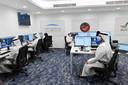 Missieleiders in het Mohammed Bin Rashid Space Centre in Dubai vlak voor de lancering van Al-Amal.
