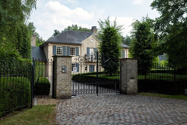In deze villa in Schoten vond de homejacking plaats.