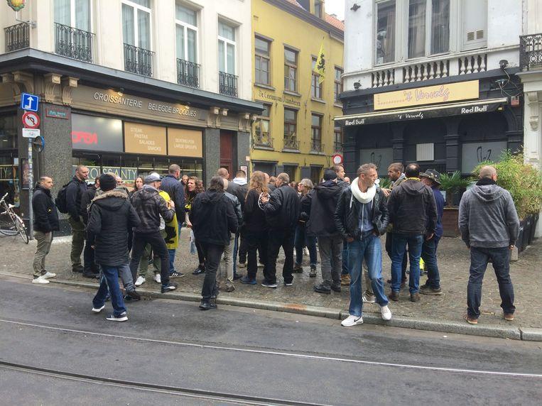 Enkele rechts-radicalen, onder wie Tomas Boutens (tweede van links), zakten af naar de Leeuw van Vlaanderen in 2019. Beeld MLS