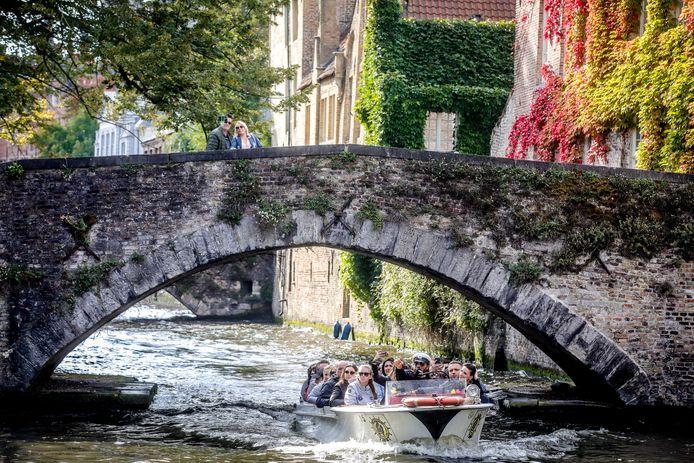 De bootjesmannen en koetsiers krijgen een cursus 'gastvrijheid', een heropfrissing voor velen.
