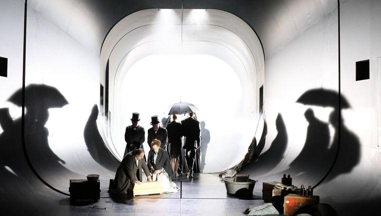 Scène uit Il tabarro. Beeld Foto Wilfried Hösl
