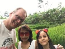 Door corona en kanker zit dit gezin al jaren vast in Jakarta: 'Wij willen naar huis'