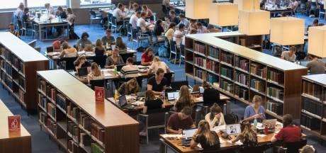 Het is weer tentamentijd: vechten om een - koele -studieplek in de bibliotheek