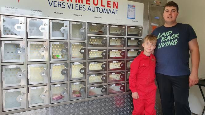 Varkenskweker betrapt inbreker aan vleesautomaat en sluit hem op tot komst van politie