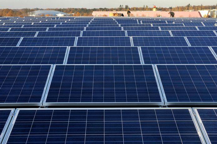 """Volgens wethouder Carlo Verhaar biedt het energieplan om Deventer in 2030 energieneutraal te maken voldoende ruimte voor bijvoorbeeld meer windmolens en minder zonneparken dan eerder voorzien. ,,Als de gemeenteraad een andere mix wil, dan is daar in het plan alle ruimte voor."""""""