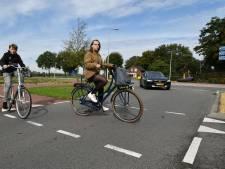 Fietsers krijgen niet overal voorrang op rotonde bij De Elsmoat in Enter