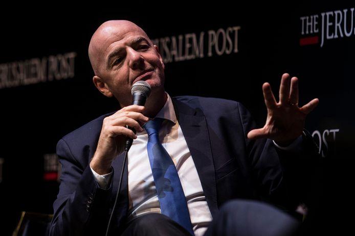 Gianni Infantino bij een persconferentie in Israël