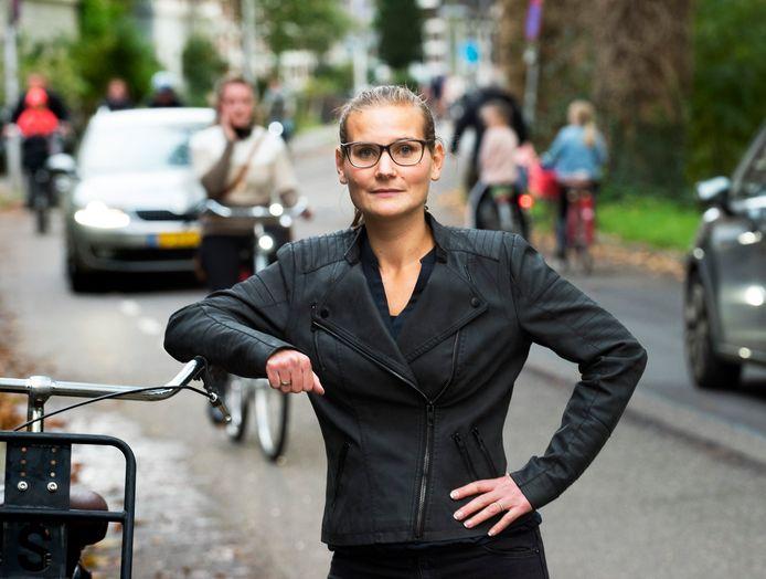 Wieke Westerveld is de initiatiefnemer van een petitie om de Alexander Numankade verkeersveiliger te maken.