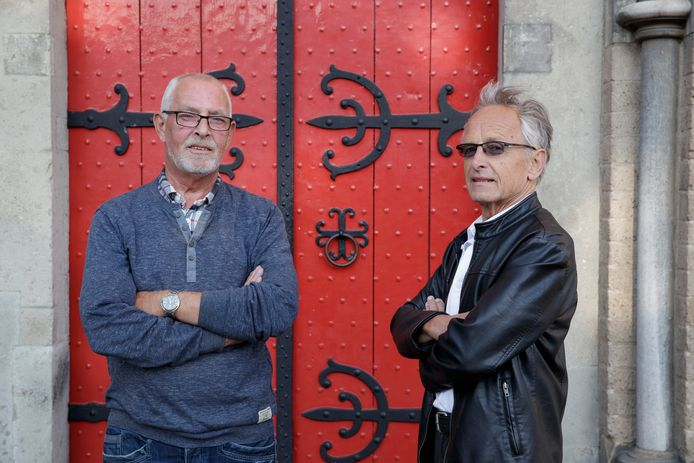 Rob van Druten (l) en Frans Velthuis  kunnen eind oktober eindelijk weer 'Heit al geheurt' op de planken brengen. De cabareteske avond over Zutphen is vanwege corona al driemaal uitgesteld.