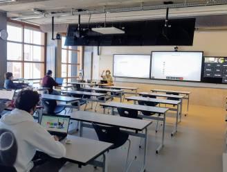 """Campus De Vest investeert in 'Rolls Royce' van hybride leslokalen: """"Zes megaschermen en geluidstegels in het plafond"""""""