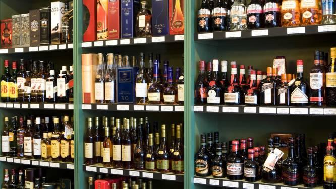 Politie betrapt twee winkeldieven met 17 flessen alcohol