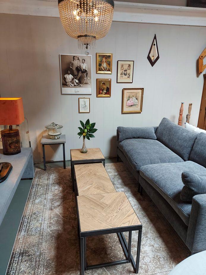 Er zijn ook salontafels met visgraatpatroon.
