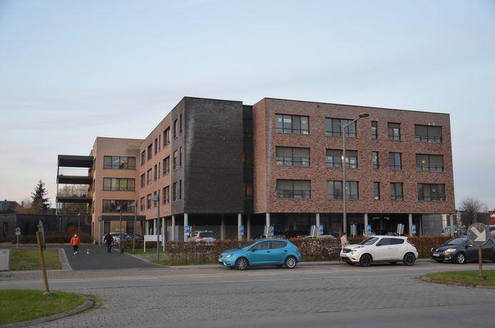 Woonzorgcentrum Klateringen langs de Centrumlaan in Ninove.