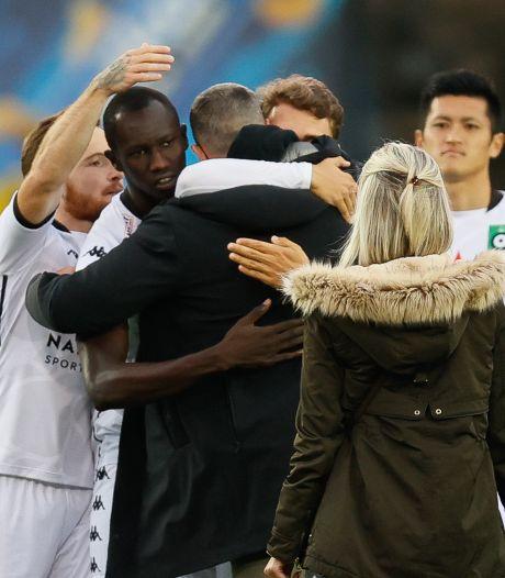 Indrukwekkend applaus voor door kanker getroffen keeper Miguel Van Damme (27) bij start van Brugse derby