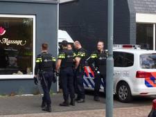 Politie-inval in pand in Rijen: agenten met kogelwerende vesten bestormen gebouw