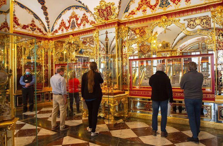 De sensationele juwelendiefstal vond plaats in het Grünes Gewölbe, een museum voor historische kunstschatten in een slot in Dresden. Beeld AP