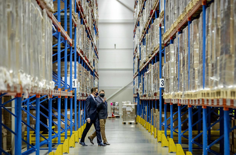 Er komen 30.000 doses voor Amsterdamse zorgmedewerkers gereed. Beeld EPA