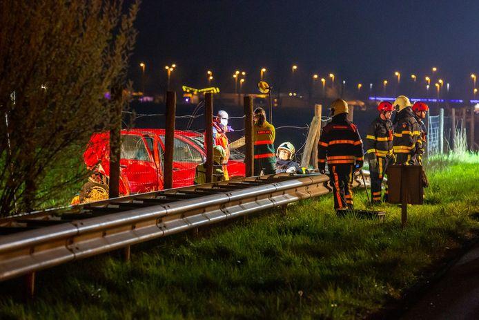 Vijf mensen raakten gewond na een ongeluk op de A16 bij Zevenbergschen Hoek.