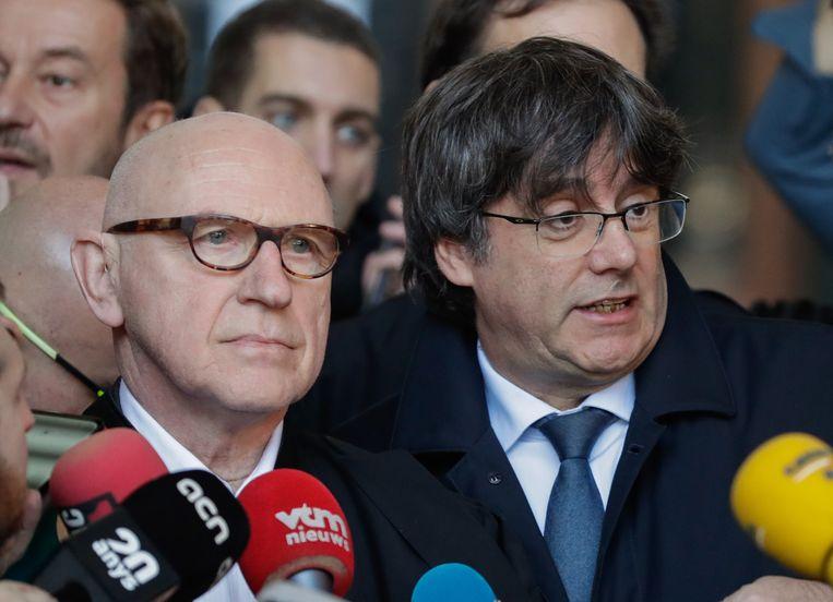 De in ons land verblijvende Carles Puigdemont en zijn advocaat Paul Bekaert stonden eind oktober  in Brussel de pers te woord na het door Spanje uitgevaardigde Europees aanhoudingsbevel.