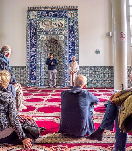 Delft liet 'mystery moslims' illegaal infiltreren in moskeeën: 'We zijn er echt van geschrokken'