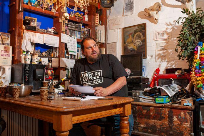 Decorontwerper Simon Haen in de documentaire 'In de Tussentijd'