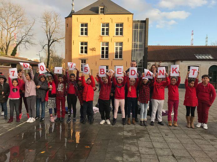 Ook de kinderen van de Vrije Basisschool Jan Ruusbroec droegen hun steentje bij tijdens Rode Neuzen Dag.