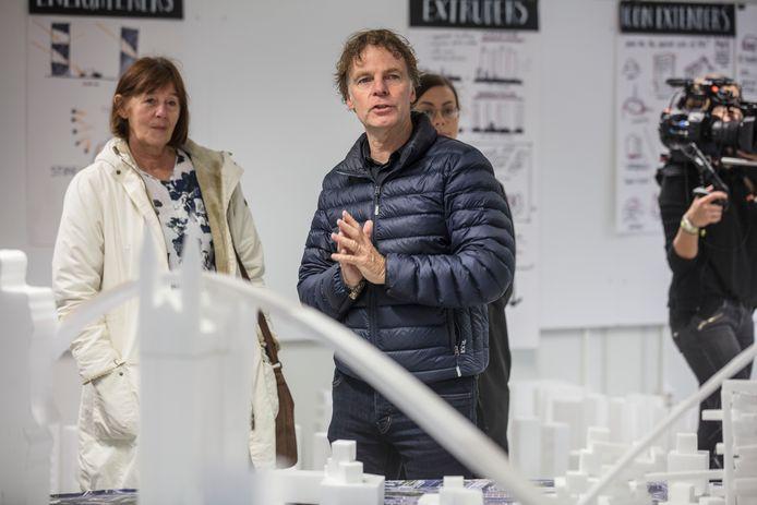 Presentatie architect Winy Maas op Stadhuispein in Eindhoven tijdens de afgelopen DDW
