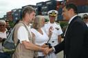 Henk Vinke schudt de president van Ecuador de hand (2010).