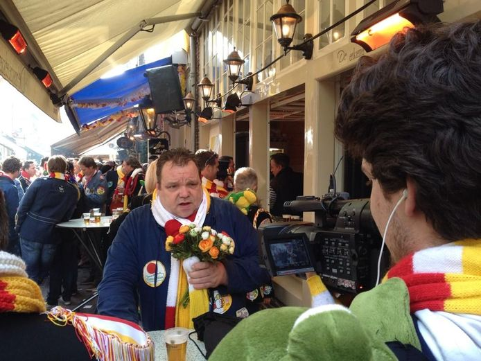 Een van de allerlaatste uitzendingen van Boschtion komt donderdag vanaf Roet Korte Put in de Korte Putstraat in Den Bosch. Presentator Jan van den Bersselaar neemt afscheid van de kijkers.