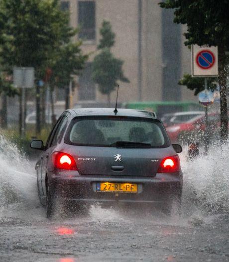 Onweersbuien trekken over Brabant, kans op wateroverlast