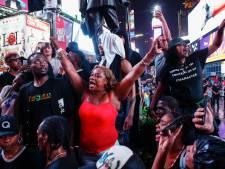 Obama appelle au calme après de nouvelles tensions entre Noirs et policiers