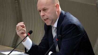 """De Loor: """"Vlaamse kabinetten vooral bevolkt door blanke mannen"""""""