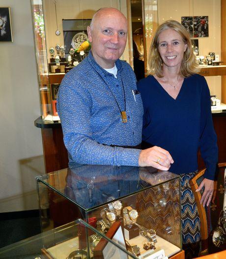 Edwin nam de juwelierszaak van zijn verongelukte vader over, nu bestaat het bedrijf bijna 100 jaar