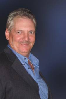 Met zijn cowboyhoed en klompen zorgde John (1955-2021) altijd voor veel gezelligheid in het dorp