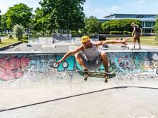 Zwolse skaters staan lijnrecht tegenover elkaar in park de Wezenlanden: baan opknappen of niet?