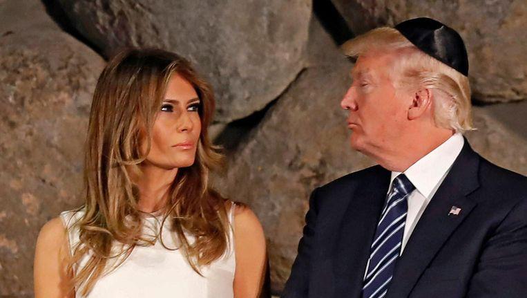 President Trump en first lady Melania in Israël. 'De president moet even weg uit Washington', zeiden Witte Huis-functionarissen vorige week na een stortvloed aan negatieve publiciteit voor Trump. De reis die de president nu maakt door Europa, biedt hem de kans zich als staatsman te profileren. Beeld EPA
